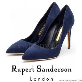 Kate Middleton wore Rupert Sanderson malory storm suede pumps