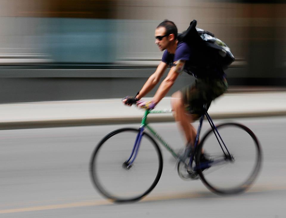 Niña Feliz Andar En Bicicleta: Noti Bicimotos: 10 Consejos De Seguridad Para Andar En