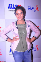 Sree Mukhi at Meet and Greet Session at Max Store, Banjara Hills, Hyderabad (36).JPG