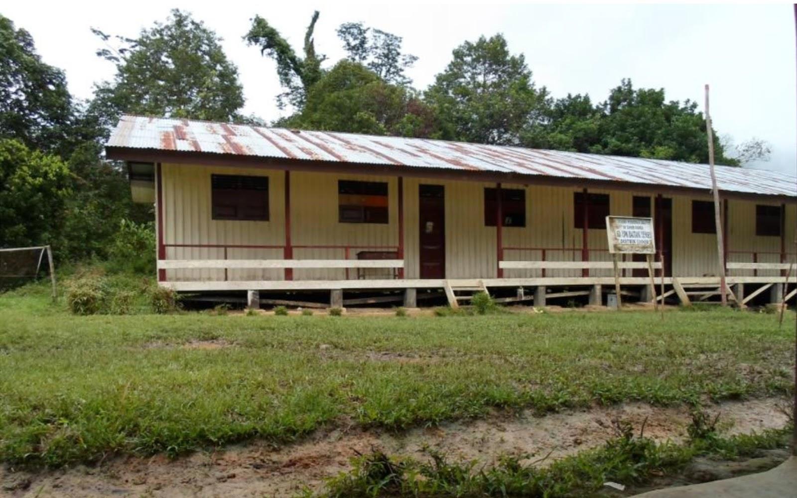 SD Yensei Teluk Bintuni Papua Barat dalam project perpustakaan Book for Mountain