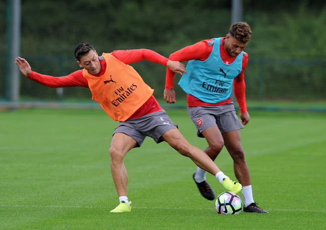 d1fd02fff Oxlade-Chamberlain Shows Off All-New Next-Gen Nike Hypervenom Phinish 3  Boots - Footy Headlines