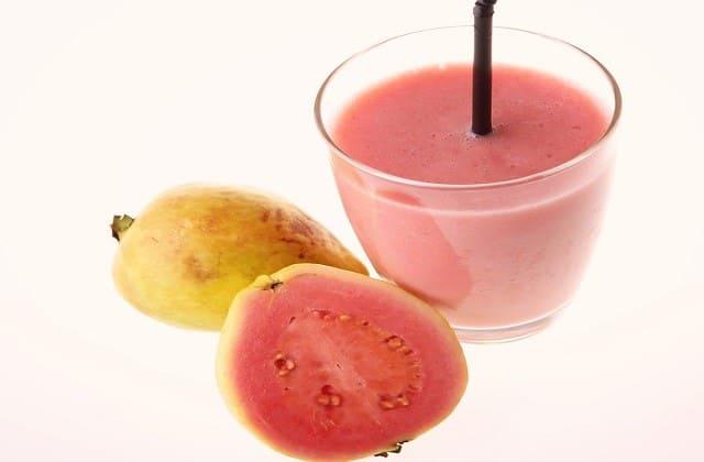 Jambu biji atau Guava utamanya yang dalamnya merah