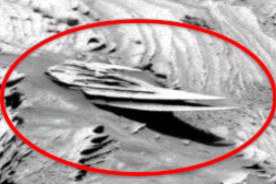 Conspiracy Lie: Alien Bases on Mars, Lot's to Choose From