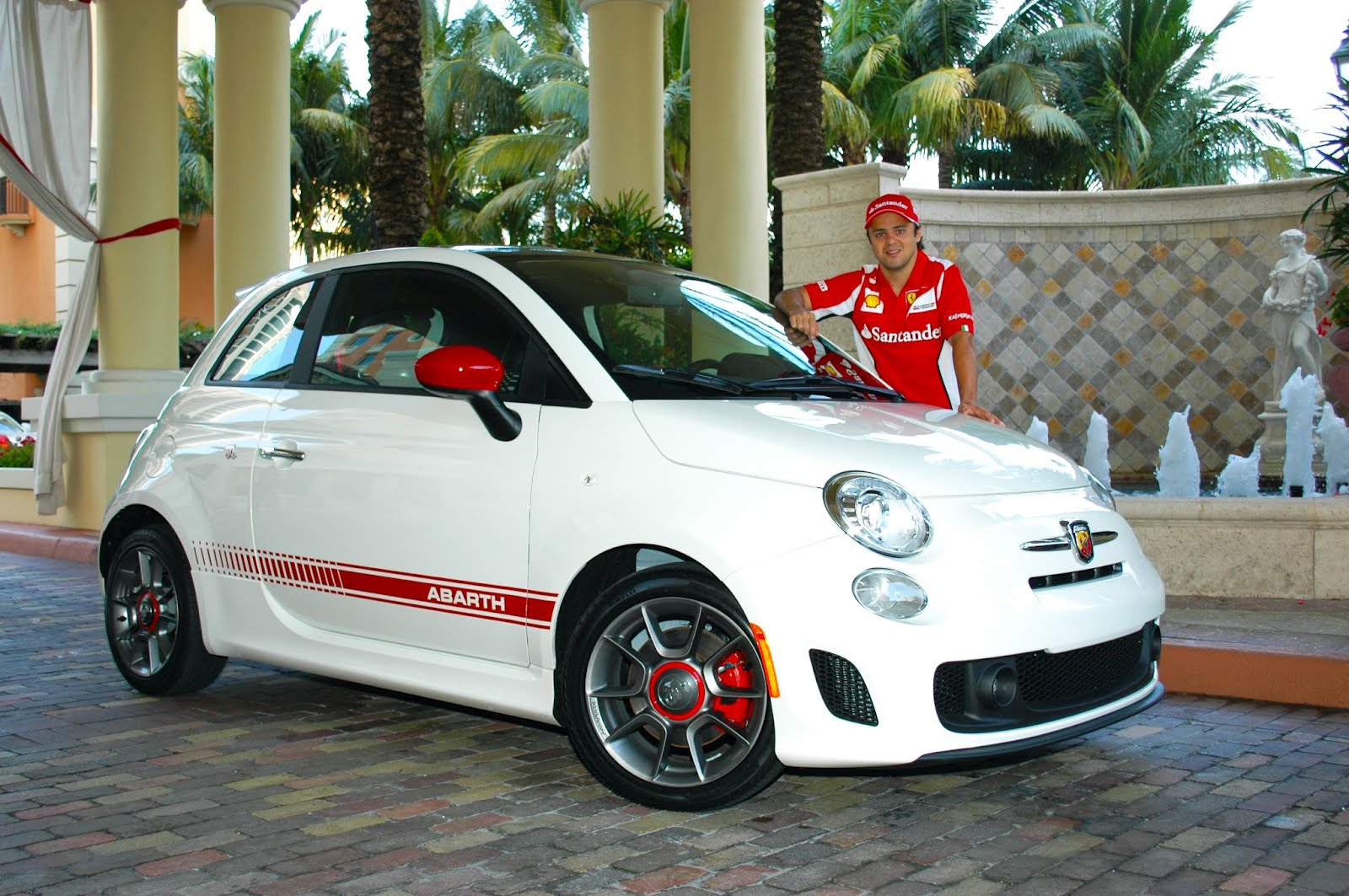 abarth blog black label felipe massa needed to see the fiat 500 abarth. Black Bedroom Furniture Sets. Home Design Ideas