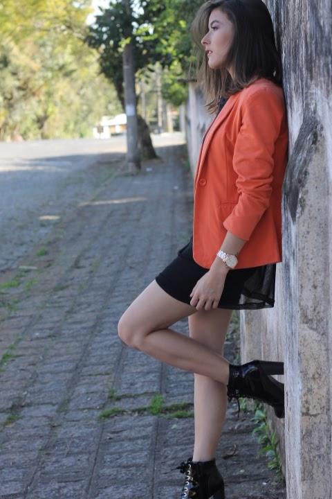 Look transparência com blazer - Ally Arruda