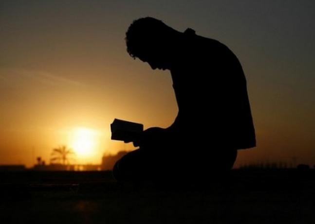 Inilah 5 Tips Mendahulukan Ibadah dari pada Pekerjaan Kita Silahkan Share