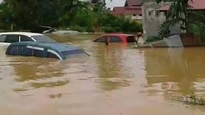 Meski Banjir Telah Susut Hari Ini, Masyarakat Sumbar Terkena Banjir Keluhkan Bantuan Dan Air minum..!!
