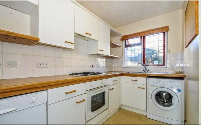 buy-to-let fishbourne chichester kitchen