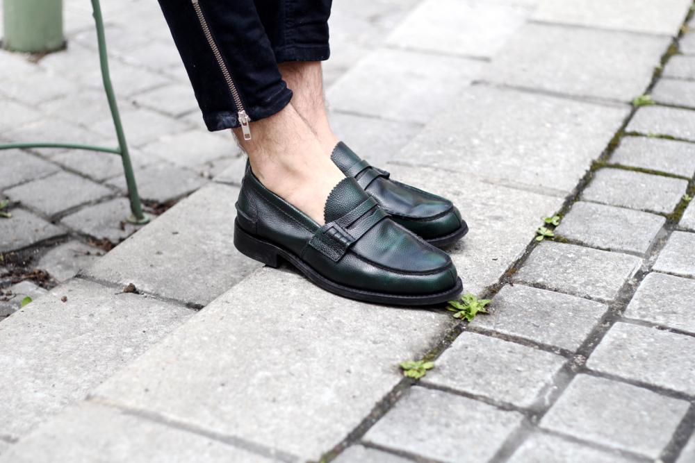 BLOG-MODE-HOMME-style-masculin-gshock-casio-montre-silicone-luxe-chrono-rains-sac-mocassin-churchs-zip-jeans-mec-bordeaux-paris-minimal-été