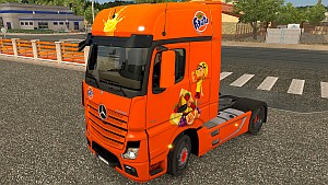 Fanta Mercedes MP4 skin
