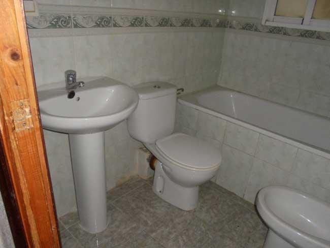 piso en venta calle montornes castellon wc1