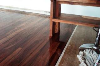 lantai kayu kudus