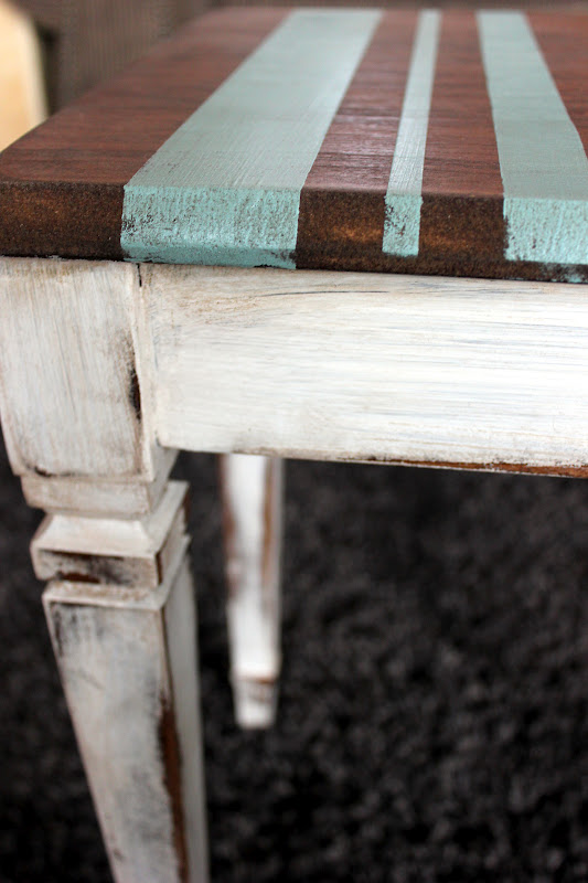 barstool, stripes, cottage style, paint, stain, DIY, tape, shabby, rustic decor, http://bec4-beyondthepicketfence.blogspot.com/2012/02/cottage-stripes.html