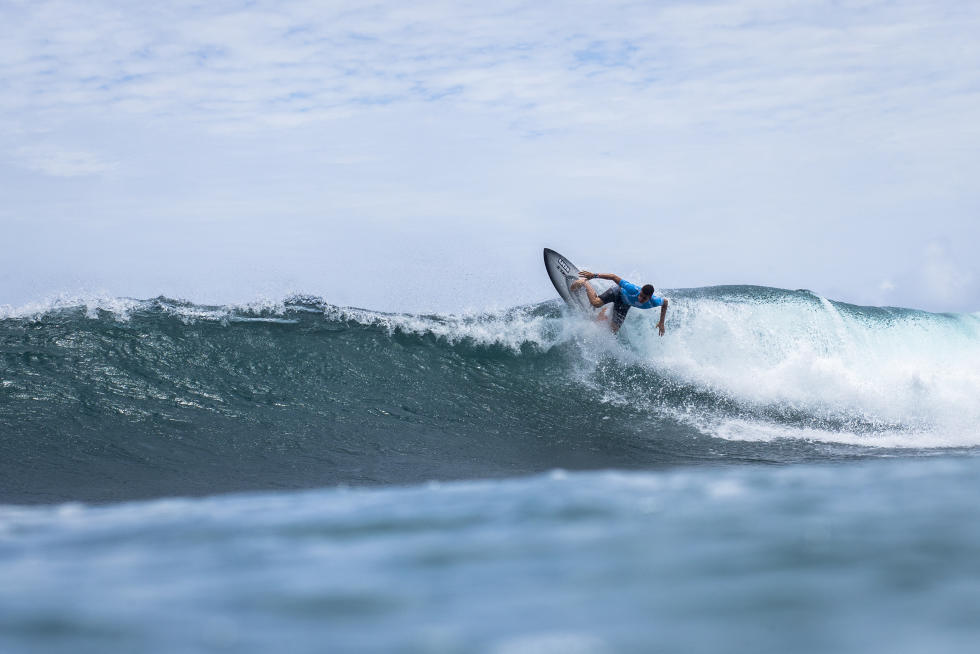 3 Andy Criere FRA Martinique Surf Pro foto WSL Poullenot Aquashot