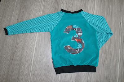 http://susis-fadensalat.blogspot.de/2015/10/geburtstagsshirt-fur-meinen-groen.html