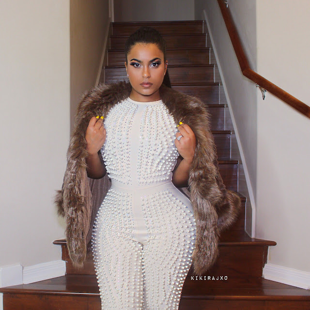 How is it possible for a woman to have a waist like this, bikonu? (photos)