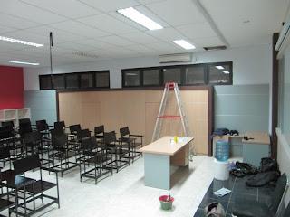 Pesan Rak File Kantor Built In Tanam Dinding di Semarang