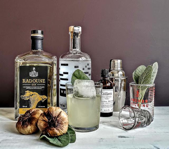 recette,cocktail-gin-quebecois,gin-radoune-vieilli,ail-noir,cocktail-ail-noir-sauge