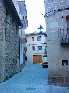Calle Palacio, El Palau, El Palacio, Casa ELVIRA y entrada trasera bares