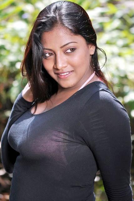 22 big boobs bengali babe riding bf dick