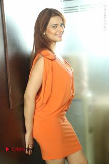 Actress Saloni Aswani Pos in Short Dress at Meelo Evaru Koteeswarudu Movie Interview  0234.JPG