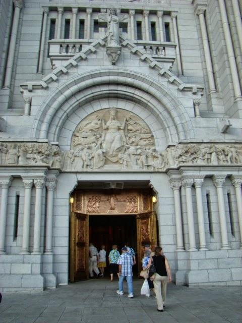 QUEBEC Basilica Sainte Anne