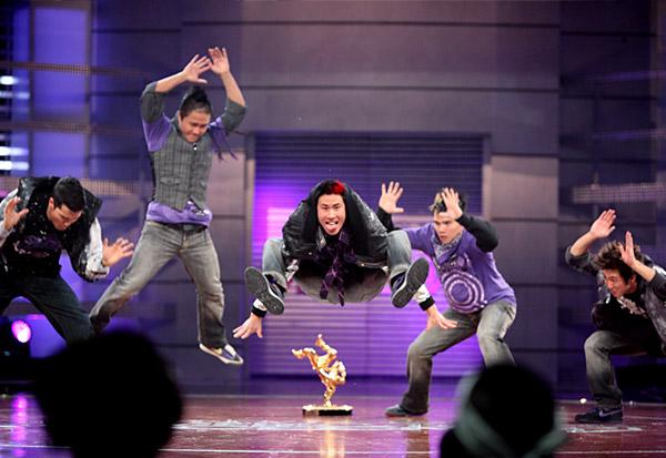 Mario López Attore e conduttore televisivo del programma ... |Mario Lopez Americas Best Dance Crew