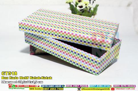 Box Kado Motif Kotak-Kotak