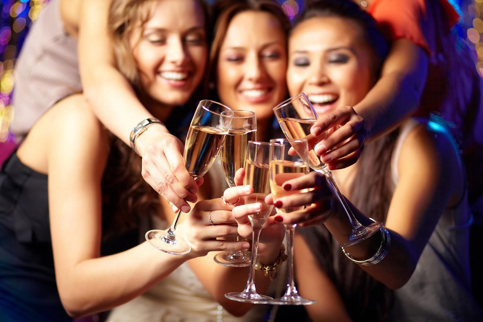 Поздравления с юбилеем женщине: оригинальные, красивые, душевные