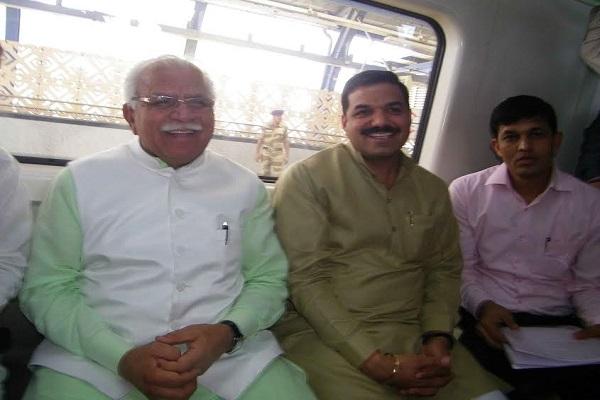 PM मोदी ने कहा था? इसलिए फरीदाबाद मेट्रो से पहुंचे CM खट्टर