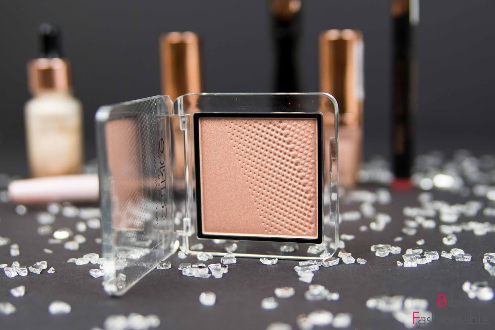 Catrice Pret a lumiere limited edition highlighting powder golden glow