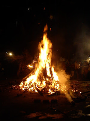 Holika dahan, Festival celebration in Mumbai