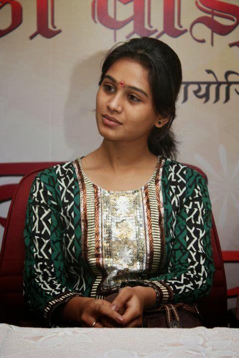 Actress mrunal dusanis veethi actress mrunal dusanis altavistaventures Images
