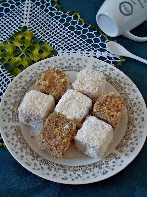 Čupavci sa belom čokoladom kokosom i orasima