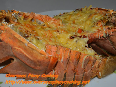 Baked Lobster with Garlic and Cheese