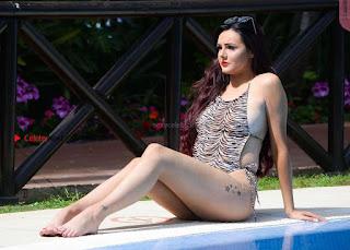 Sarah-Goodhart-In-Swimwear-On-holiday-in-Marbella-03+%7E+SexyCelebs.in+Exclusive.jpg