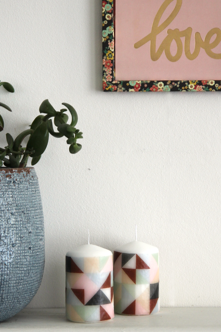 HOW TO DECORATE CANDLES WITH NAPKINS