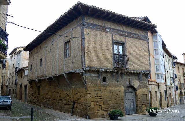 La casona, plaza de España, Briones