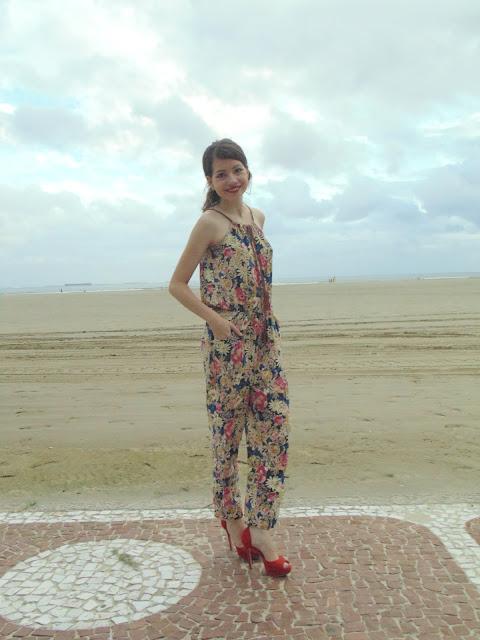 Garage modas, feliz dia internacional da mulher, look garage modas, praia de Santos, feliz dia das mulheres, macacão estampado, look do dia