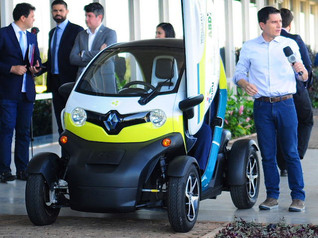 Renault Twizy em teste de uso compartilhado em Brasília