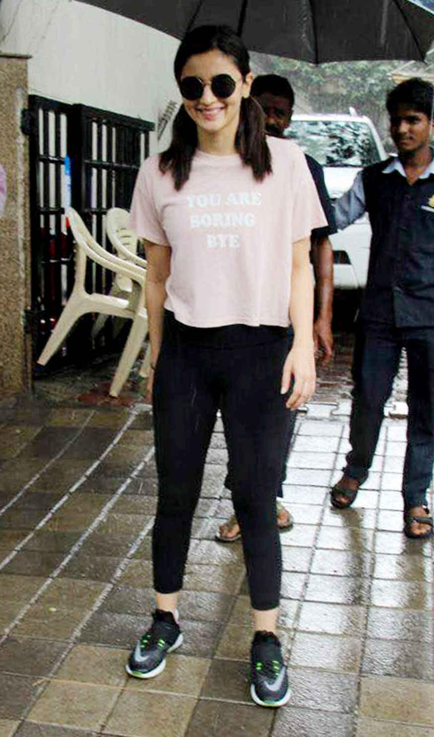 Alia Bhatt Spotted at Vishesh Films Office In Khar, Mumbai