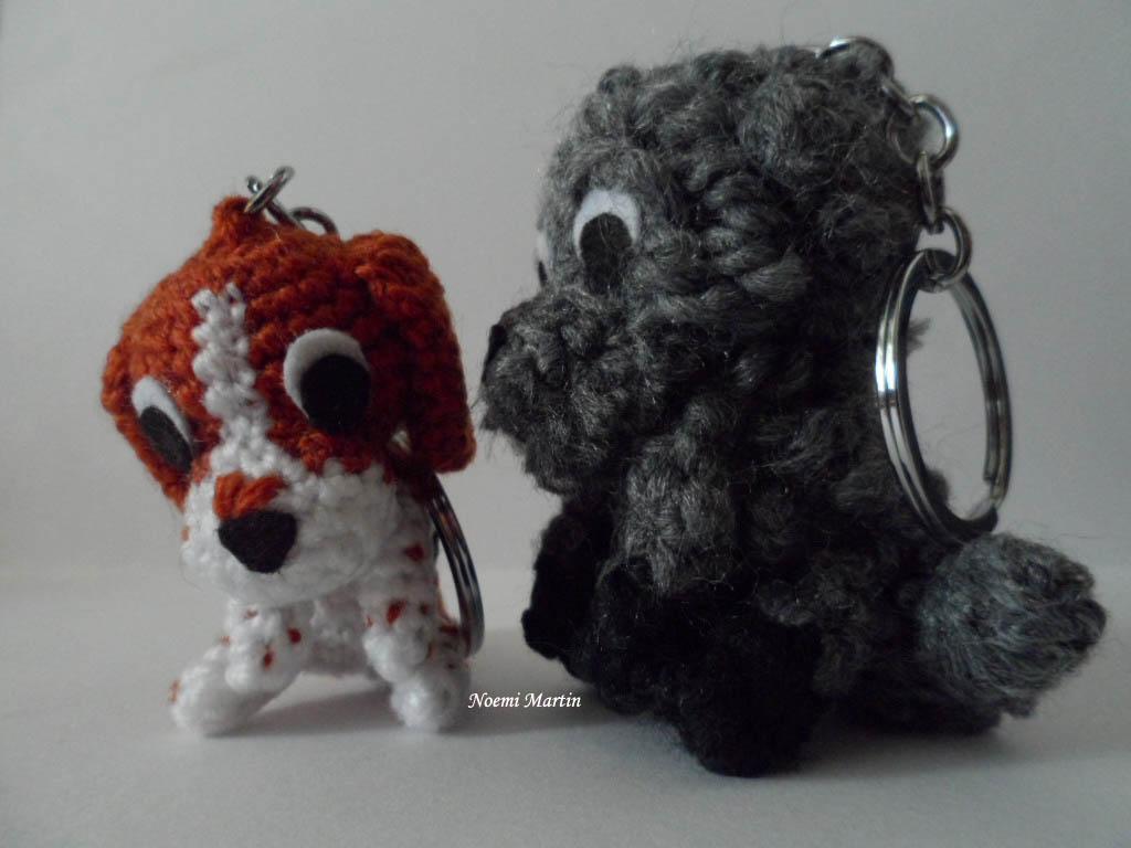http://agujalanaytijeras.blogspot.com.es/2015/02/dos-perritos-llaveros-nuevos.html