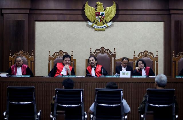 Novanto Sekeluarga Dalam Pusaran Kasus e-KTP