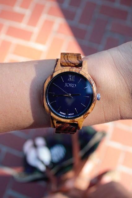 Navy & Chestnut Outfit Inspiration & JORD wooden watch
