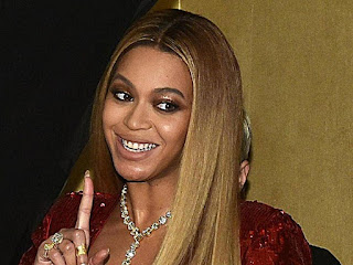 fans hate beyonce holiday sweater