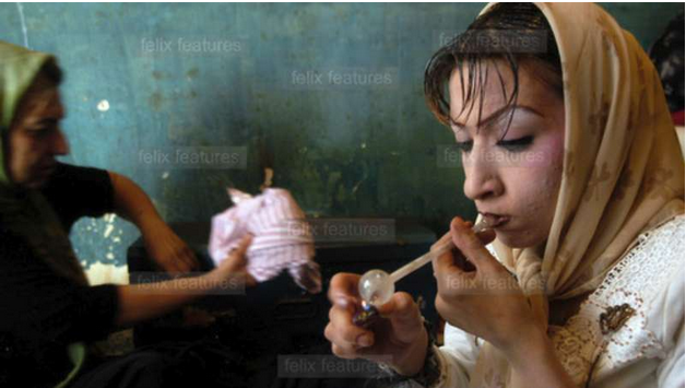 إيران من الداخل..ارتفاع في نسب دعارة الأطفال والإيدز وإدمان المخدرات