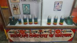 तनोट माता मंदिर (जैसलमेर) - जहा पाकिस्तान के गिराए ३००० बम हुए थे बेअसर।