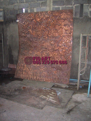 ornamen hiasan dinding tembaga kuningan