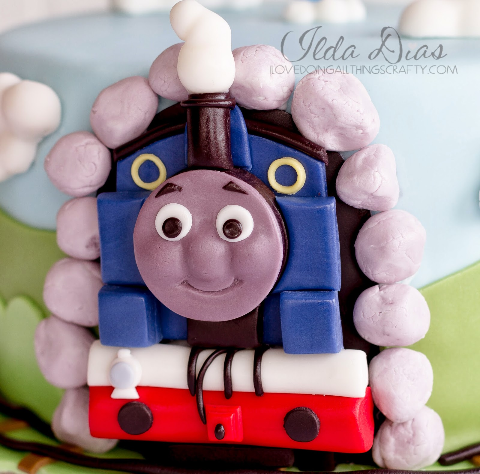 Thomas the Train Birthday Cake | DIY Cakes