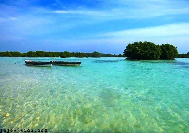 Turnamen Foto Perjalanan: Laut. Pulau Pari, Kepulauan Seribu. © Vladico Jobial aka Dico